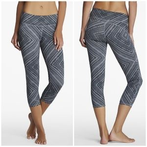 Fabletics // Lima Printed Capri Leggings SZ Small